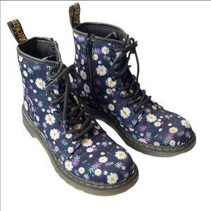 Dr Martens Delaney Floral Daisy Boots